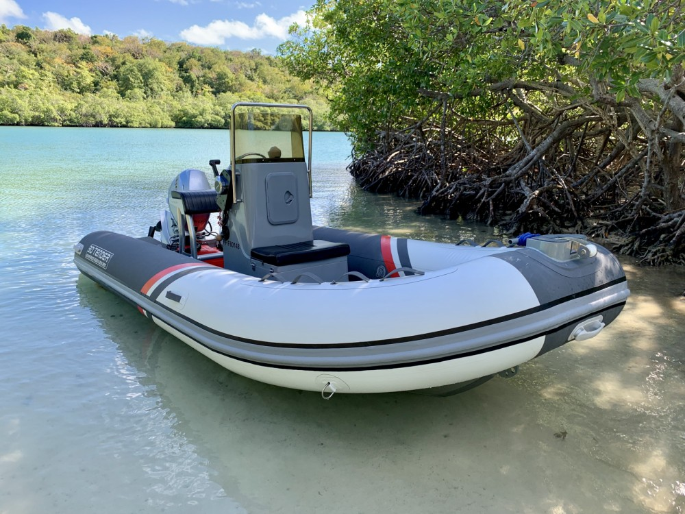 3D Tender Stealth RIB 460 between personal and professional Fort-de-France