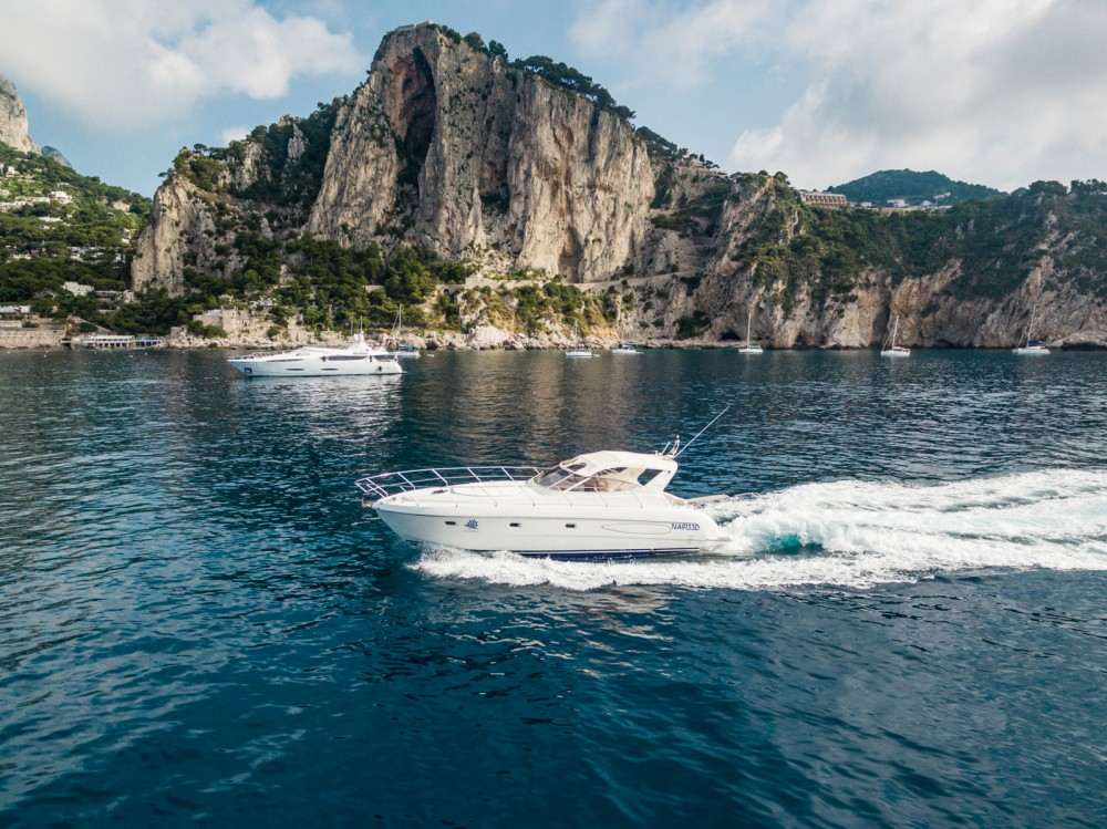 Boat rental Raffaelli Shamal 40 in Anacapri on Samboat