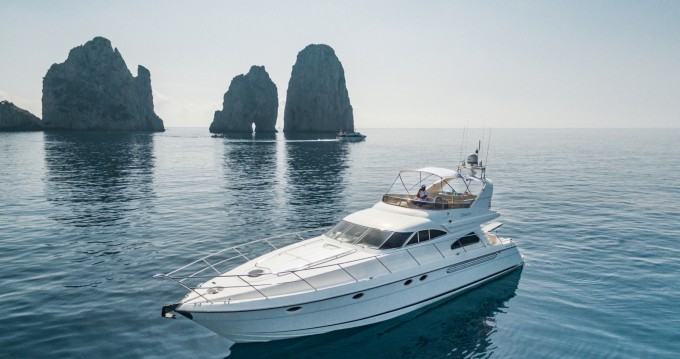 Rental yacht Positano - Fairline Squadron 60 on SamBoat