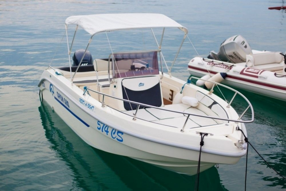 Motorboat for rent Cres at the best price