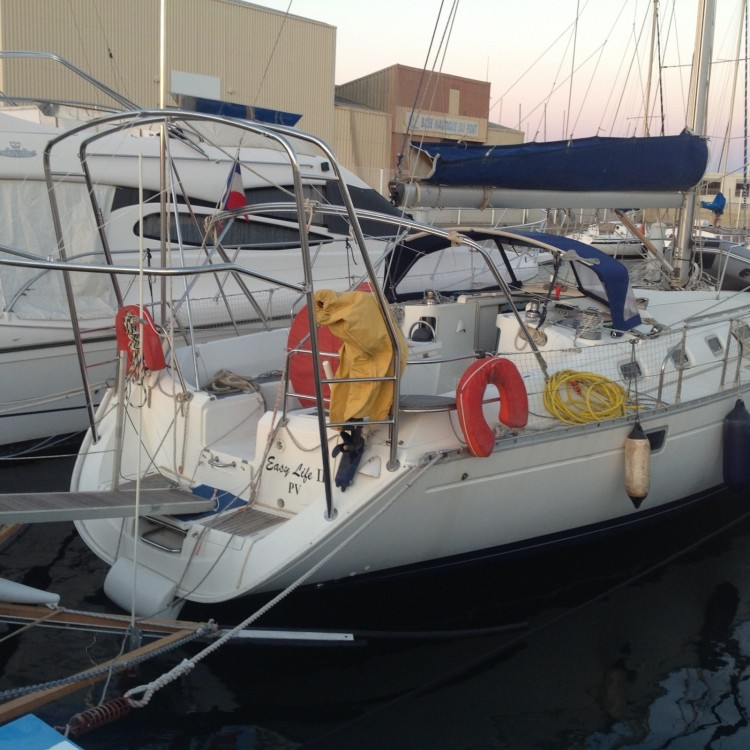 Sailboat for rent Canet-en-Roussillon at the best price