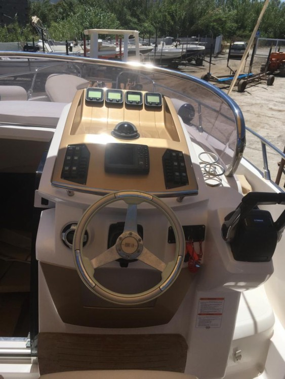 Rental yacht Milazzo - Sessa Marine Key Largo 27 on SamBoat