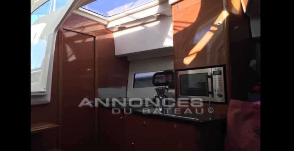 Rental Motor boat in Castelló d'Empúries - Jeanneau Leader 9