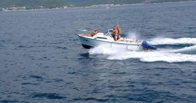 Motorboat for rent Livorno at the best price