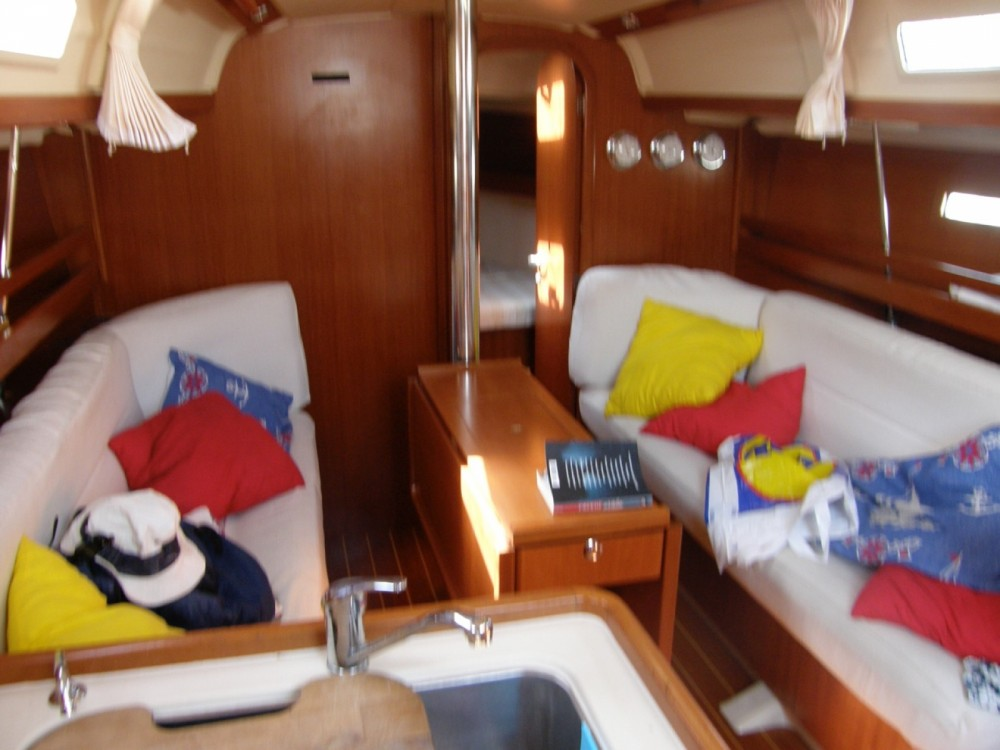 Sailboat for rent Syracuse at the best price