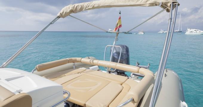 Boat rental Zodiac Medline III in Formentera on Samboat