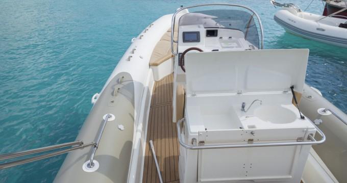 Rental yacht Formentera - Zodiac Medline III on SamBoat