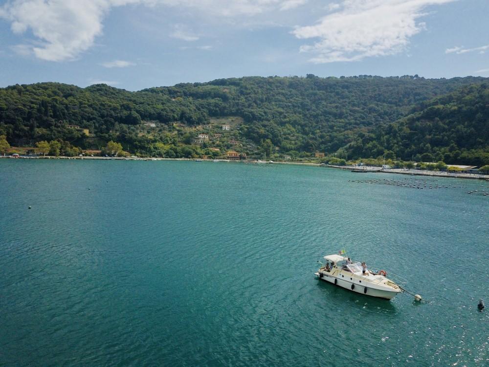 Rental yacht La Spezia - Azimut Azimut 28 on SamBoat