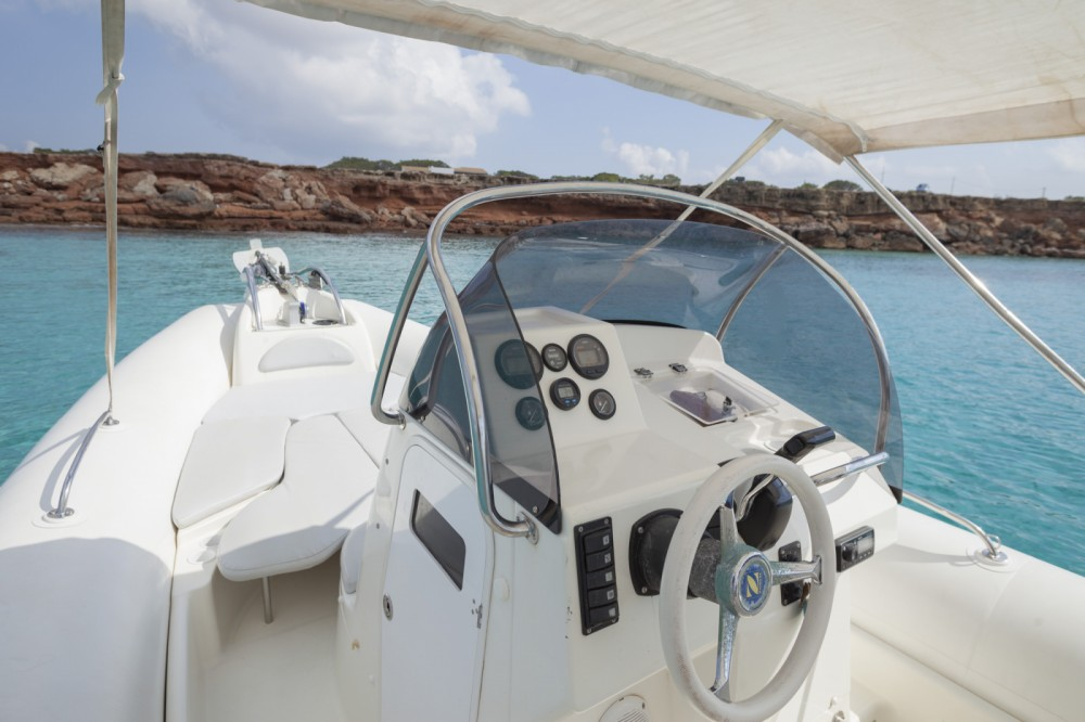 Rental RIB in Formentera - Zodiac Medline