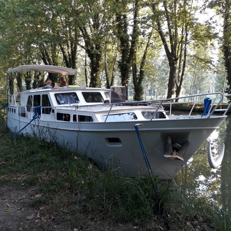 Canal boat for rent Castelsarrasin at the best price