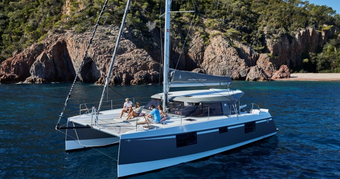 Hire Catamaran with or without skipper Nautitech Rivière Noire