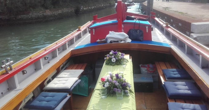 Rental Motorboat in Venezia - Barca tradizionale bragozzo