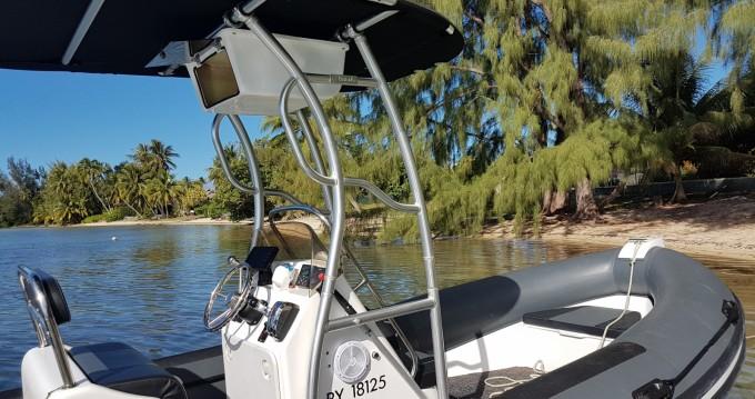 Rental yacht Tahiti - Falcon Falcon 760 on SamBoat