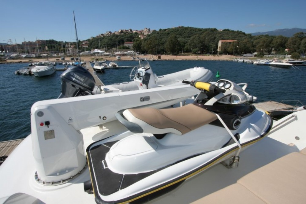 Trawler Yacht between personal and professional Ajaccio