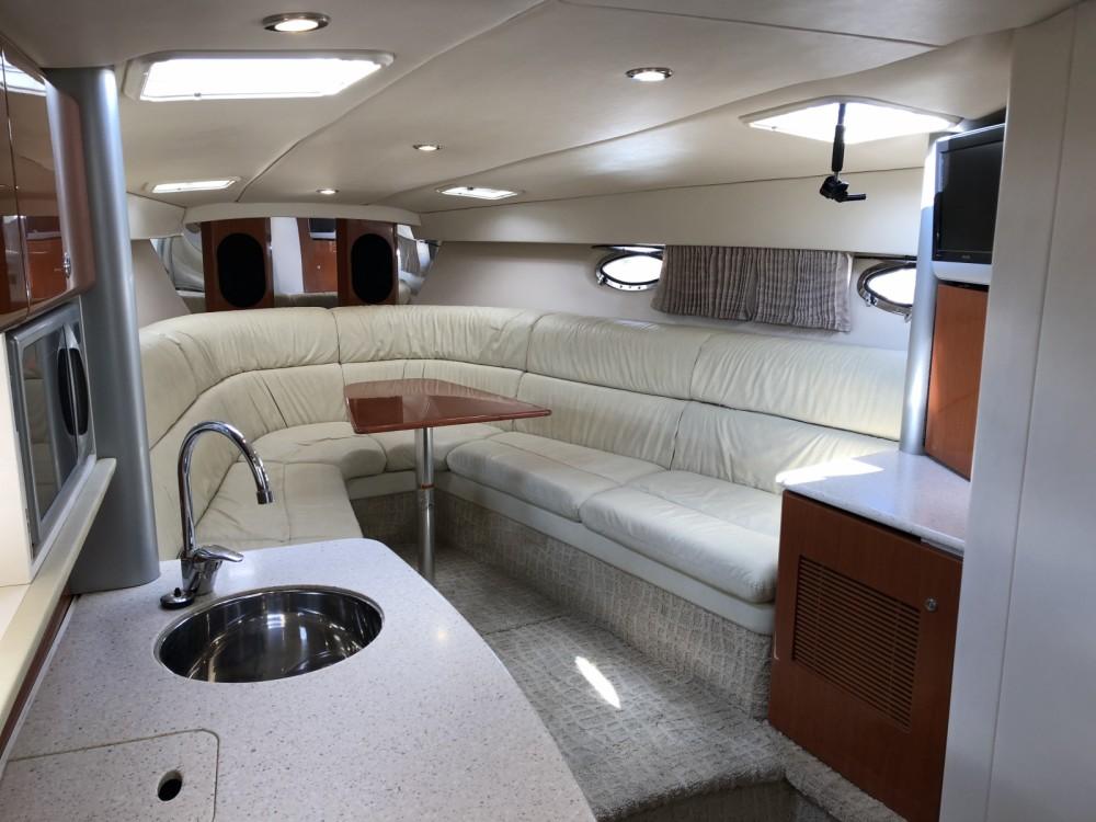 Rental Motorboat in Argostolion - Formula 37ss
