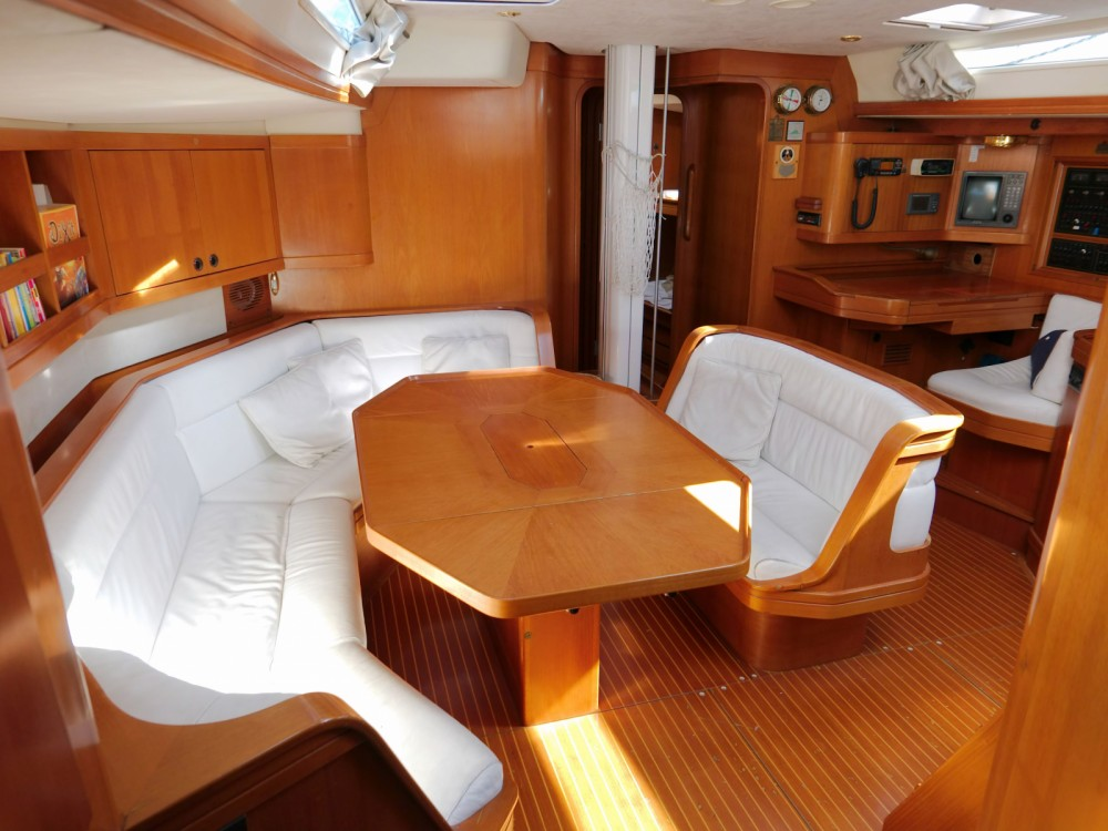 Sailboat for rent Vittoriosa at the best price