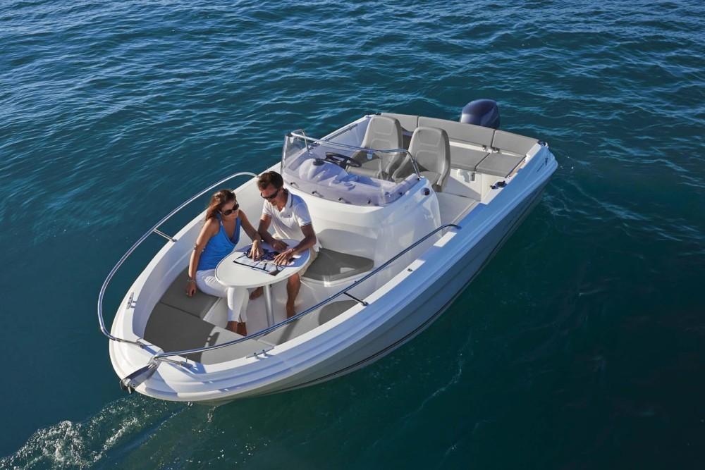 Rental Motorboat in l'Estartit - Jeanneau Cap Camarat 5.5 CC Style