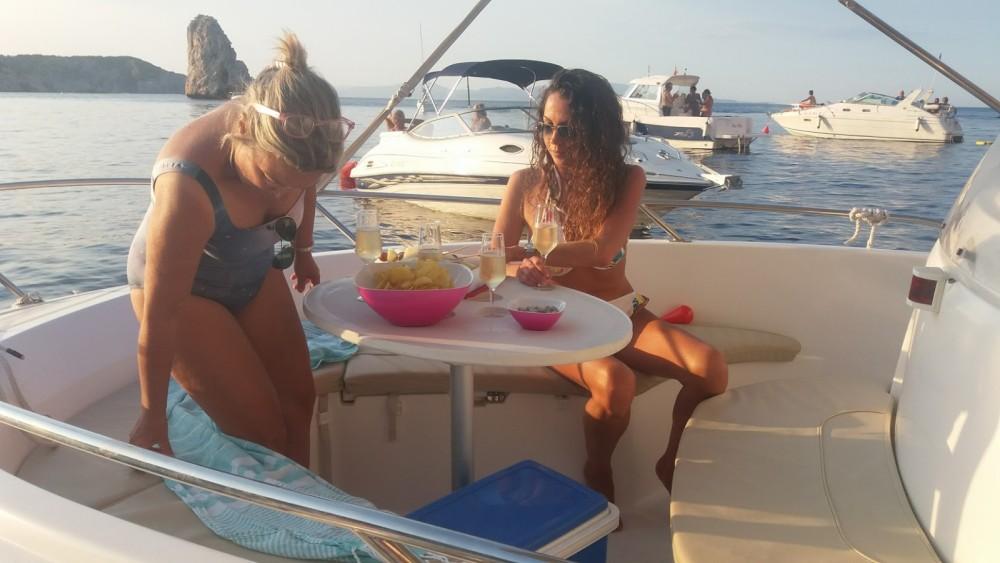 Rental yacht l'Estartit - Jeanneau Cap Camarat 5.5 CC Style on SamBoat
