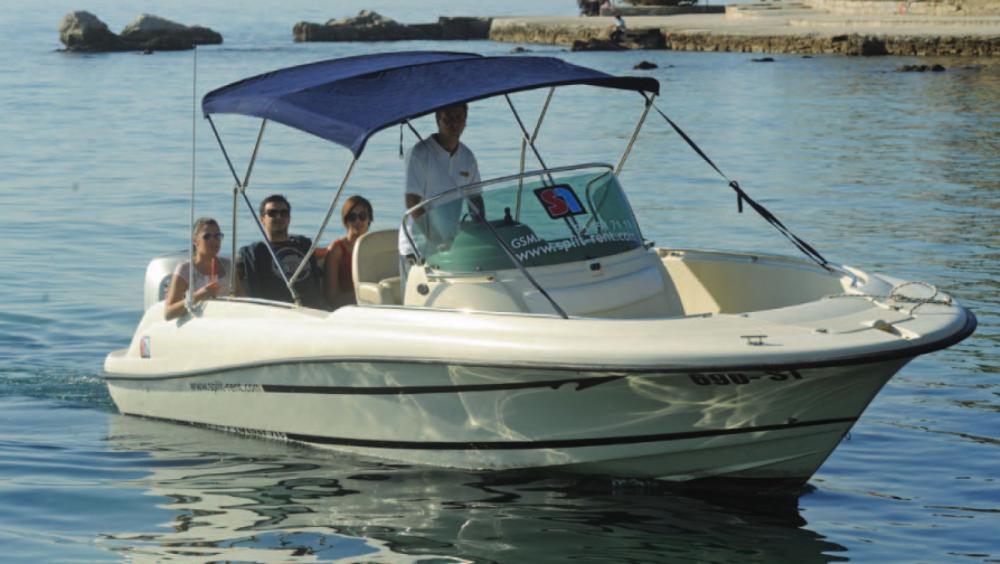 Rental Motorboat in Hvar - Jeanneau Cap Camarat 715 Open