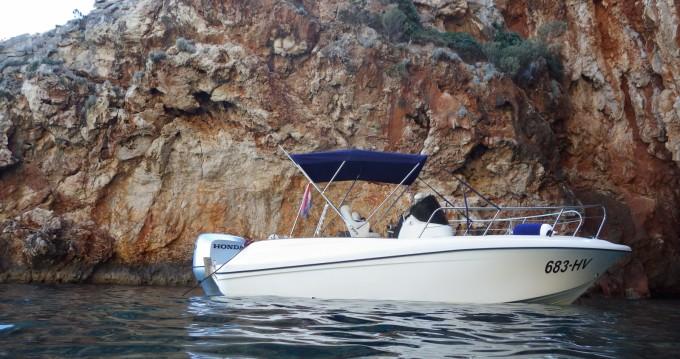Boat rental Hvar cheap HM 22 Fly