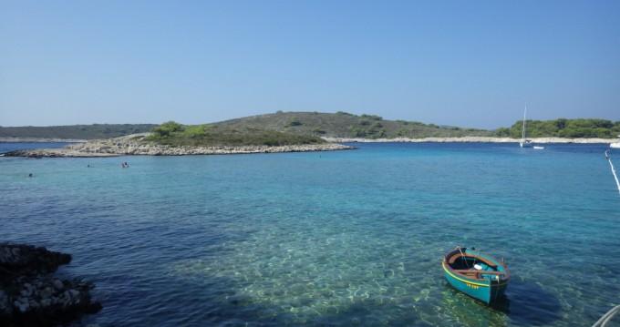 Rental Motorboat Insidias Marine with a permit
