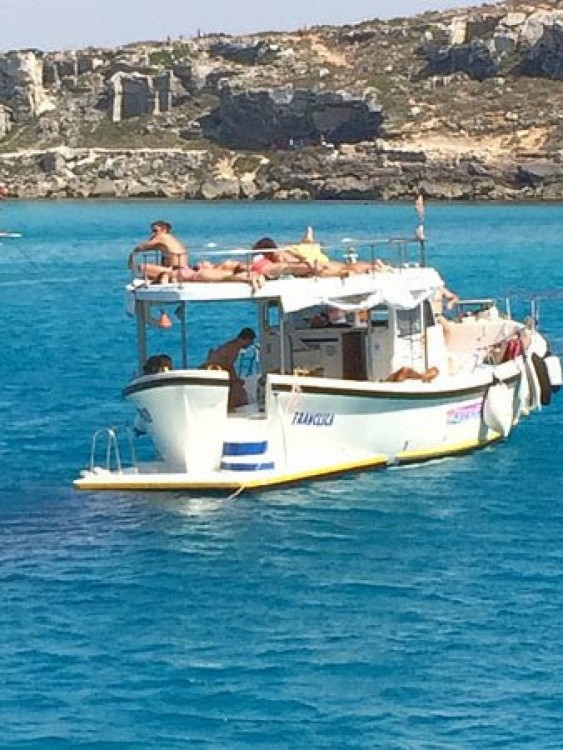 Hire Motorboat with or without skipper Gozzo In Legno 11m Favignana