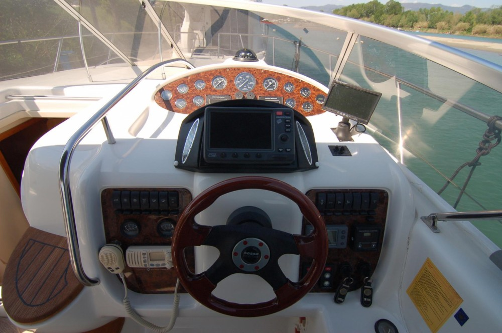 Sessa Marine Oyster 35 between personal and professional Alghero