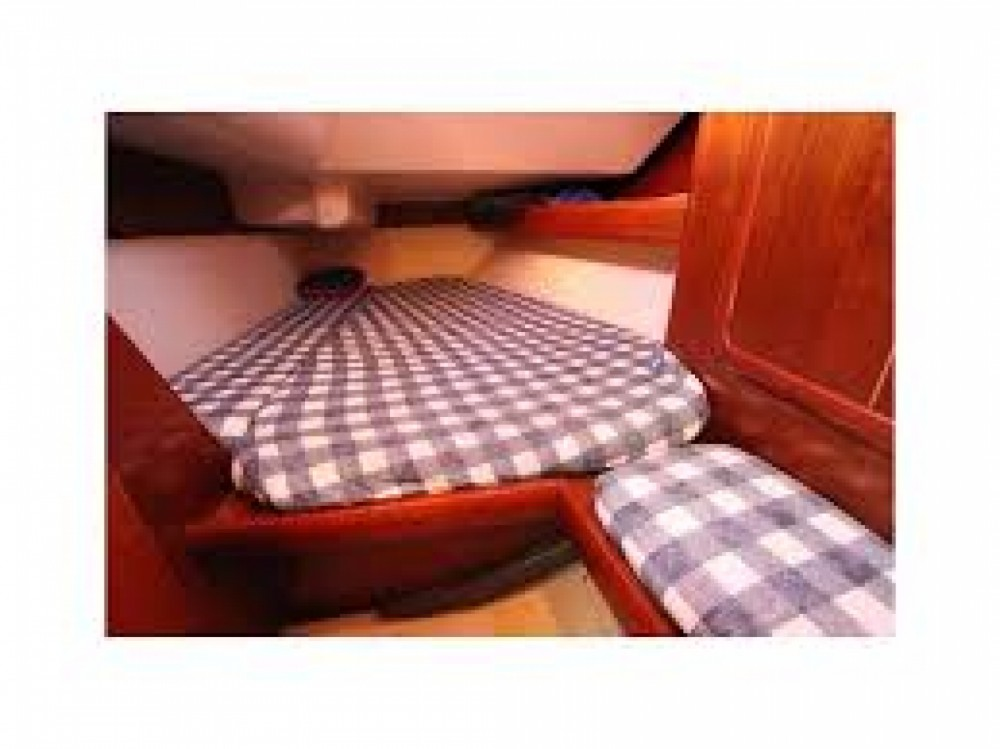Sailboat for rent Sorrento at the best price