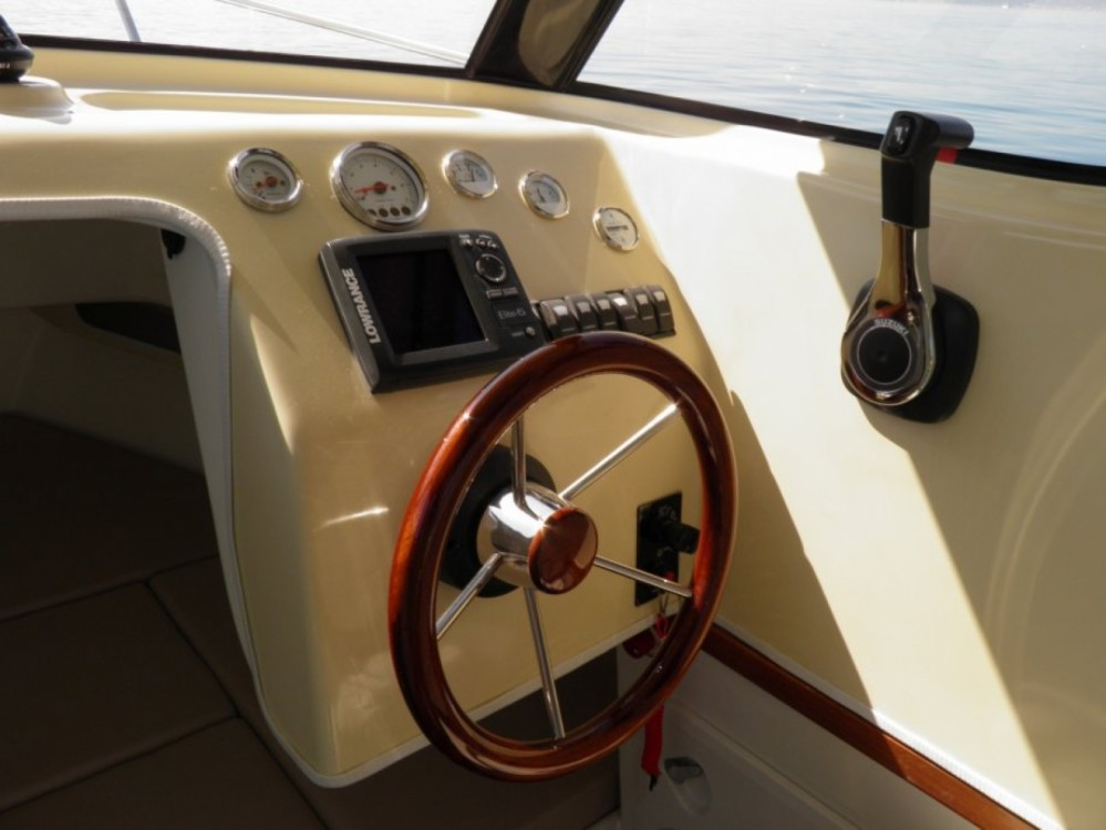 Fortis Fortis 590C between personal and professional Trogir
