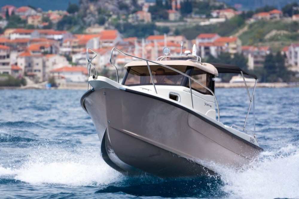 Hire Motorboat with or without skipper Fortis Trogir