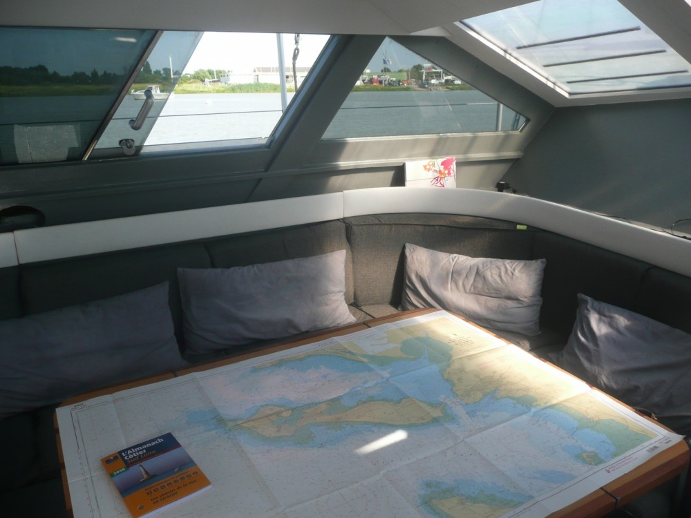 Hire Sailboat with or without skipper Gallart La Rochelle