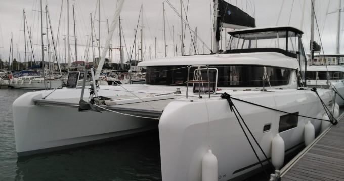 Rental Catamaran in Le Marin - Lagoon Lagoon 42
