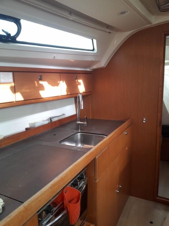 Boat rental  cheap 41 Cruiser