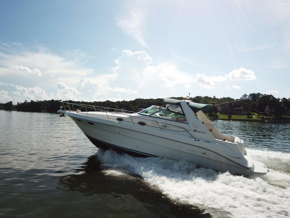 Motor boat for rent Giovinazzo at the best price