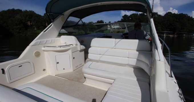 Rent a Sea Ray Sea Ray 330 Sundancer Giovinazzo