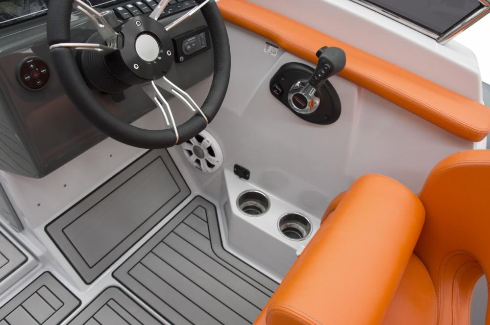 Rent a Marlin Boat Marlin Boat 24SR FB Krk