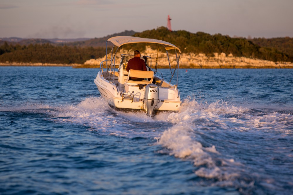 Hire Motor boat with or without skipper Bluline Orsera