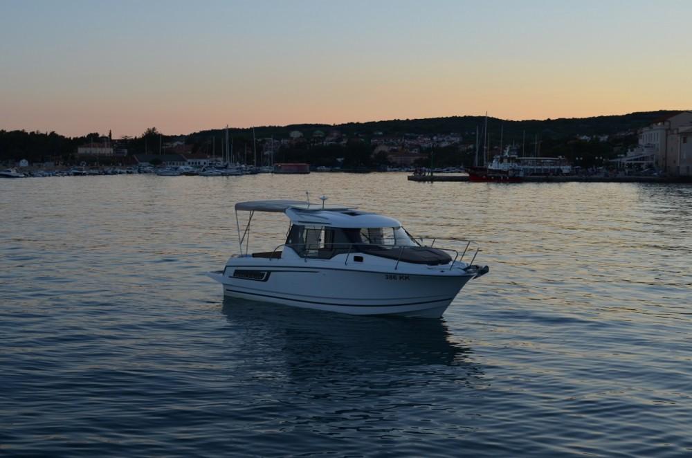 Rental Motorboat in  - Jeanneau Merry Fisher 795