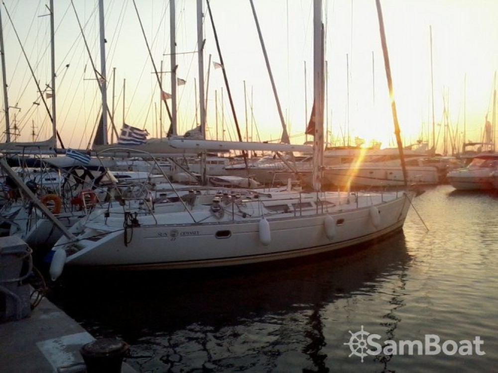 Rental Sailboat in Álimos - Jeanneau Sun Odyssey 47