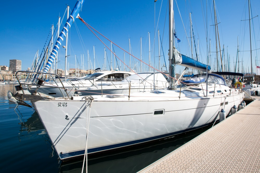 Rent a Bénéteau Oceanis 45 Marseille