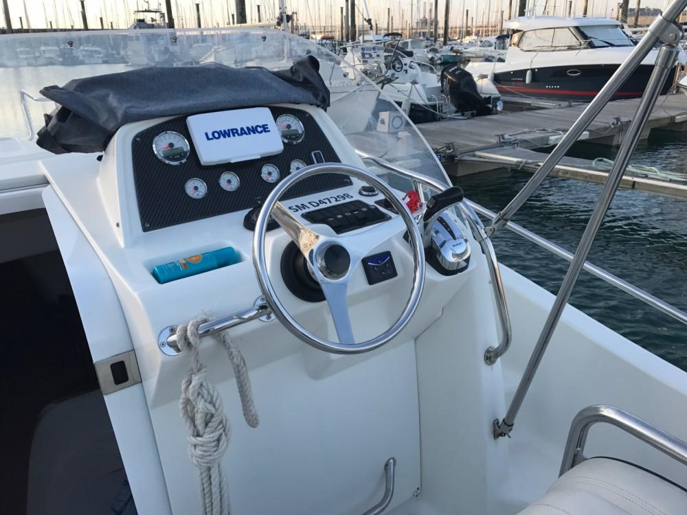 Rental Motorboat in Saint-Malo - White Shark White Shark 248
