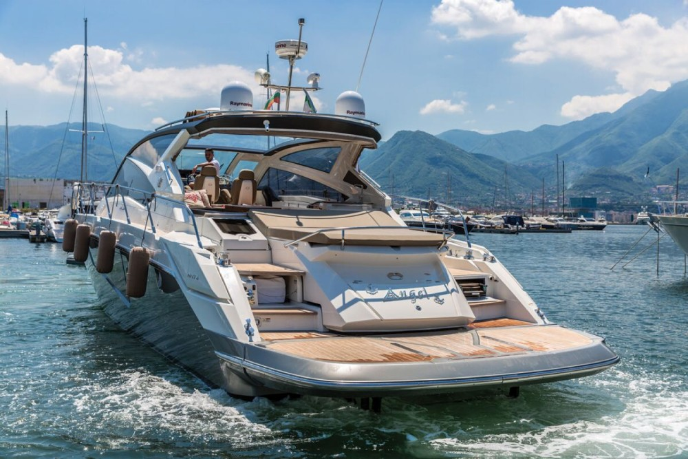 Rental Yacht Cranchi with a permit