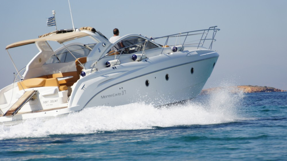 Bénéteau Monte Carlo 37 Open between personal and professional Álimos