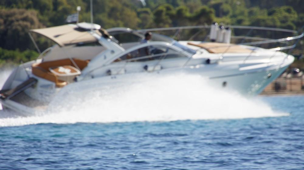 Boat rental Bénéteau Monte Carlo 37 Open in Álimos on Samboat