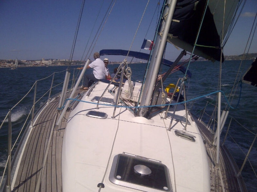Hire Sailboat with or without skipper Jeanneau Algarve