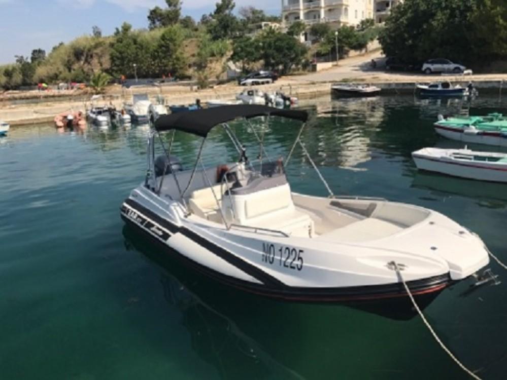 Boat rental Sasanka Yacht Zar 57 Welldeck in Makarska on Samboat