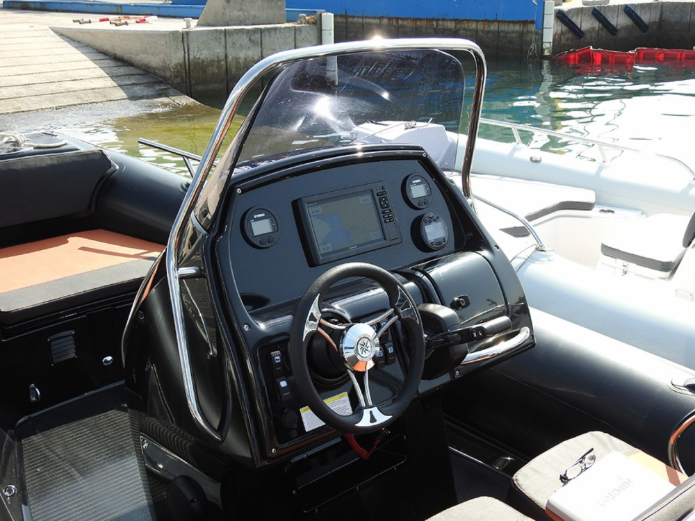 Rental Motorboat Grand Boats with a permit
