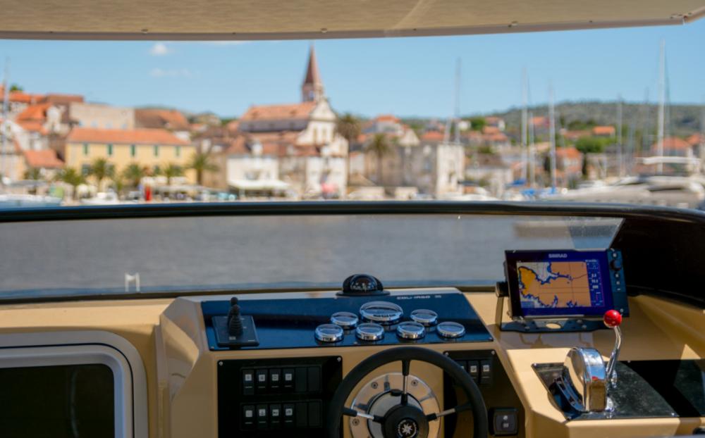 Rental Motorboat in Split - Colnago Colnago 35