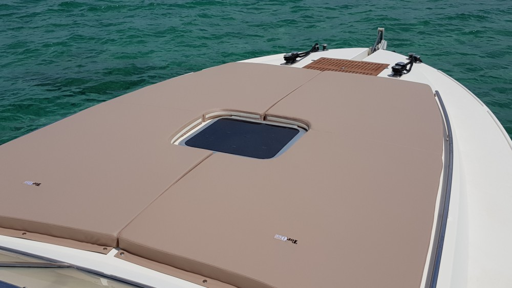 Motorboat for rent Porto San Paolo at the best price