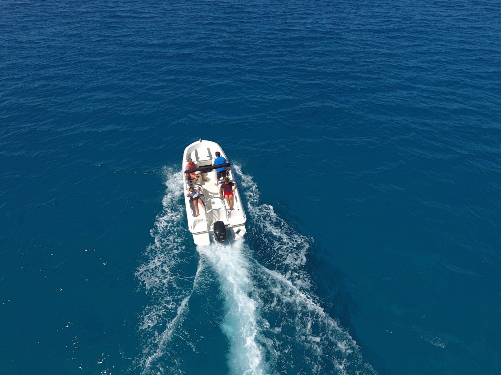 Hire Motorboat with or without skipper Bayliner Ajaccio